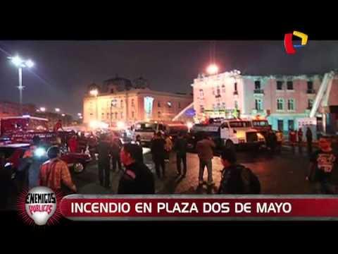 GRAN INCENDIO DE HISTORICO EDIFICIO EN PLAZA DOS DE MAYO DEJA 11 HERIDOS Y COLAPSO ESTRUCTURAL DEL INMUEBLE - LIMA EN PERU
