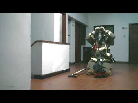 POSTURA SCBA CON CASCO  BULLARD MAGMA / Vídeo Destacado de La Hermandad de Bomberos