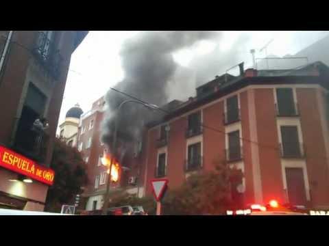 INCENDIO DE SEGUNDO PISO EN EDIFICIO EN CALLE FERNÁNDEZ DE LOS RÍOS - MADRID EN ESPAÑA