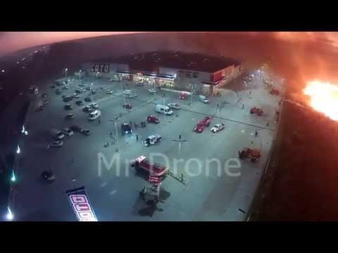 """DRONE: INCENDIO DE CAMPO EN RUTA Nº11, """"EL FUEGO LLEGANDO AL SUPERMERCADO COTO"""" - BOMBEROS DE VILLA…"""