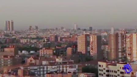 VEHICULO CON BRAZO ARTICULADO DE 70 MTS. DL AYUNTAMIENTO DE MADRID - ESPAÑA