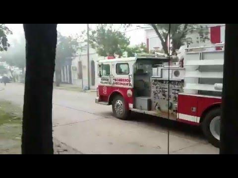 ARRIBO A TRAVES DE CORTE POLICIAL A INCENDIO DE VIVIENDA, BOMBEROS VOLUNTARIOS DE RECONQUISTA (13 DE ENERO 2016) - SANTA FE EN ARGENTINA