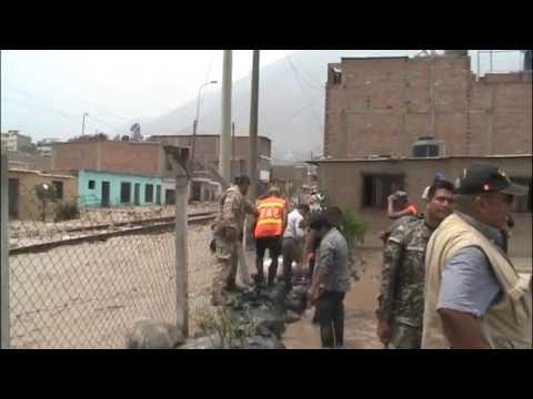 DESASTRE EN PERU    VIAS DEL TREN ARRASADAS POR EL HUAYCO EN CHOSICA (2017)