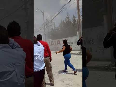 MOMENTO QUE COLAPSA UNA FABRICA DE ROPA EN CALLES CHIMALPOCOCA Y BOLÍVAR EN COLONIA OBRERA - MÉXICO