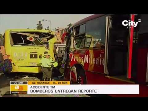 CHOQUE DE TRANSMILENIO CONTRA BIARTICULADO LLENOS DE GENTE DEJAN CERCA DE 30 HERIDOS, RESPONDE BOMBEROS DE BOGOTA COLOMBIA