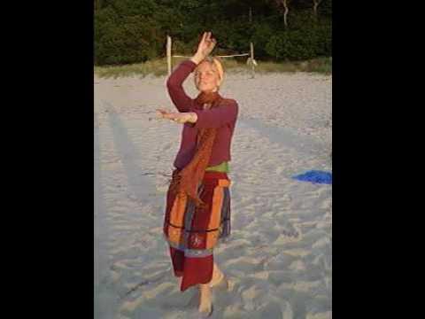 Jaya Jaya Devi Mater - Spontan-Sonnentanz