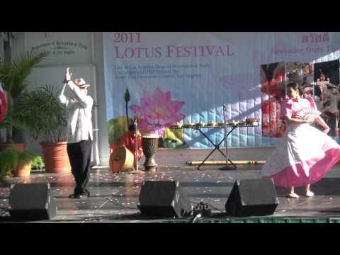 Teatro Kandusay-Lotus Festival at Echo Park (1)