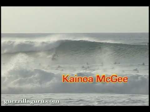 SUP surfing  Pipeline: Ikaika Kalama & Kainoa McGee
