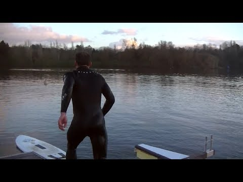 Flatwater foilsurfing self launch