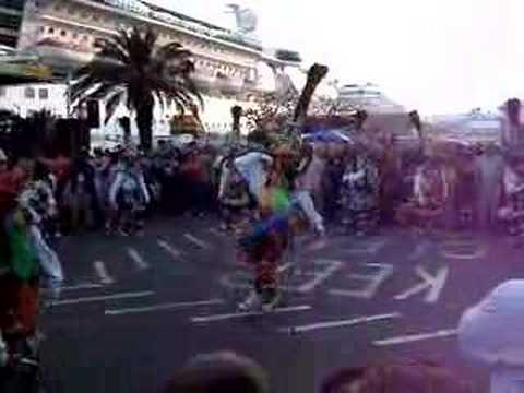 #CRAZYCLIPOFTHEWEEK: HORSE BREAKS LOOSE IN THE MIDDLE OF Bermuda Gombey PERFORMANCE