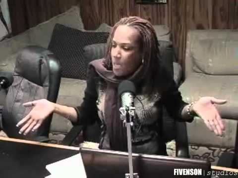 #FUNNY :Jamaican Radio Host Cussing Out Caller While Trying To Give Advice On How To Keep A Man