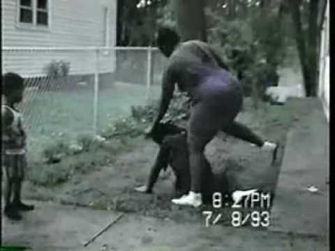 #Ratchedness : Man gets beat up by woman