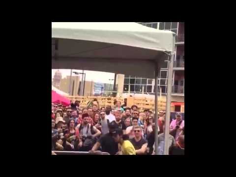 Killer Mike gets attacked at SXSW 2015 & Stomps Craigs Uncle From Friday Out!