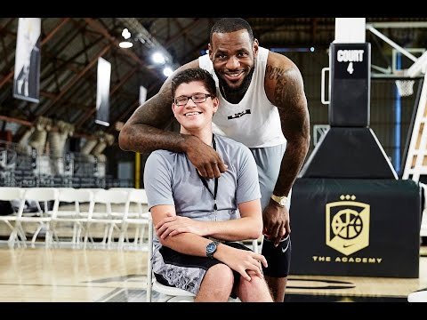 Nike Releases Sneakers For The Disabled :  The FLYEASE Story