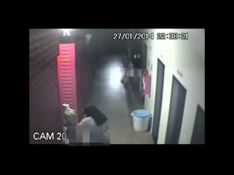 Caught On Tape : Burglar has sex with a headless mannequin!!