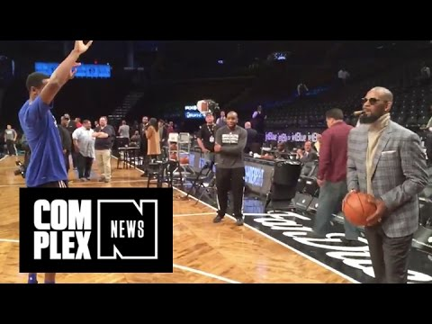 Swish : R. Kelly Drains a Three-Pointer in Turtleneck With Cigar in His Mouth LOL