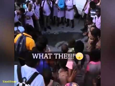 #DWL :  Reggae Artist Tanto Blacks Jump from a stage into a crowd which parted like the red sea LOL