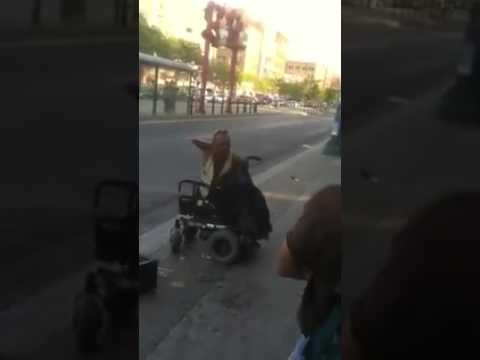Call 911 : midget with no legs and hands attacks thief!