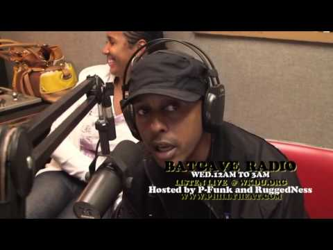 "Gillie Da Kid ""Goes Crazy In The Booth On This  Freestyle!!"