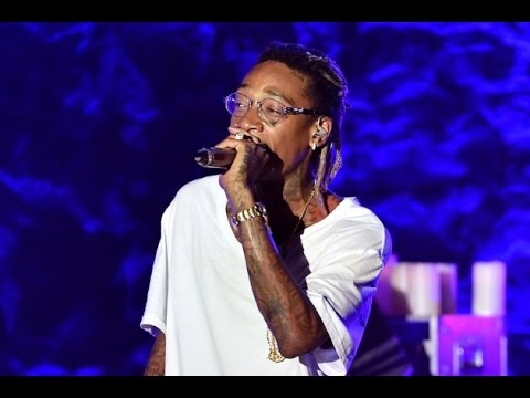 Wiz Khalifa $100,000 Gold Rolex Gets SNATCHED While Performing in Brazil.