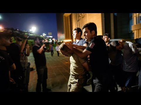 Turkey failed coup: government removes 8.000 police in continuing purge