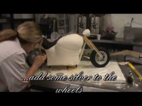 how to make an Amazing harley davidson cake.wmv