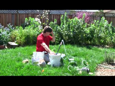 The Naked Garden: SoilFoodWeb Making Compost Tea (2011)