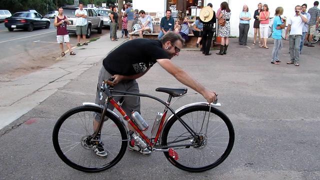 This is how Colorado Springs bike builder Eric Baar rolls