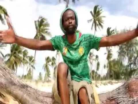 Ras Gumbo - Thanks and Praises