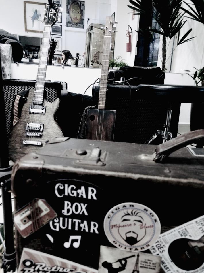 SuitCaseDrum & Cigar Box Guitar