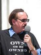 Joe Recinos speaks at the 2008 Fed Rally.