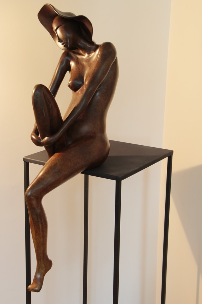 La Songeuse bronze  Christian Candelier