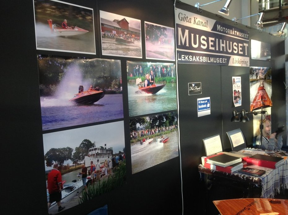 Fartiga bilder i Museihusets monter