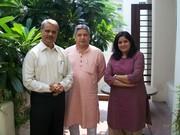 ओ बी ओ सदस्यों की एक मुलाकात: सौरभ पाण्डेय, धर्मेन्द्र शर्मा और आराधना जी