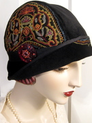 1920's Cloche with Emboidery an Czech glass button