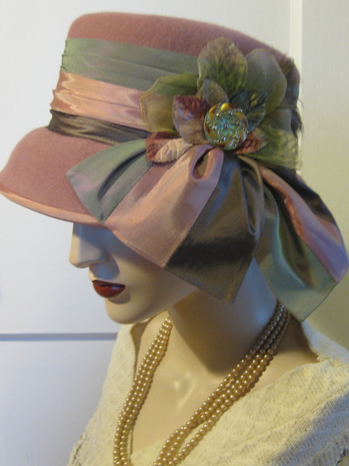 Lady Edith Cloche