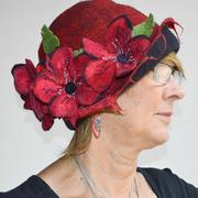 HANDMADE FELT CLOCHE HAT