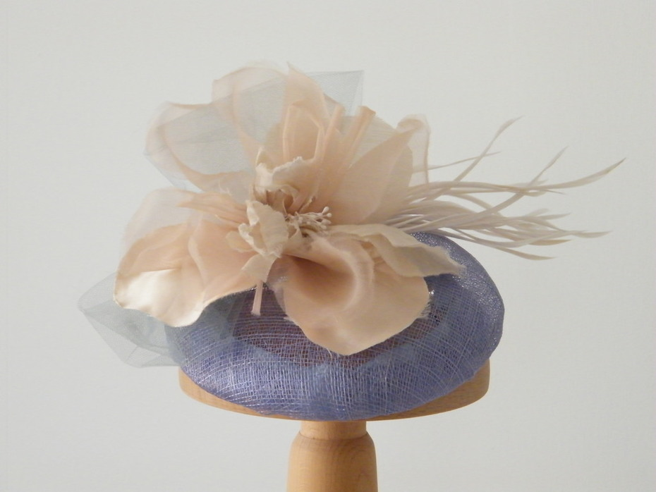 Blu cocktail hat