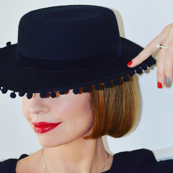 Spanish Hat by Anastasia Frei