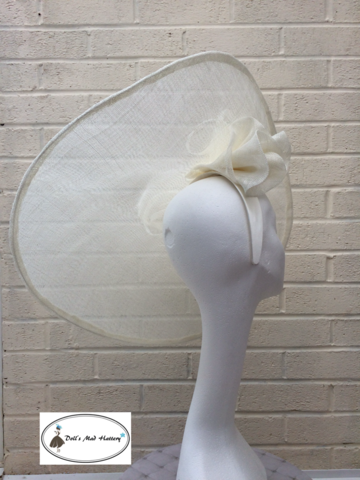Doll's Mad Hattery wide asymmetric brim saucer3