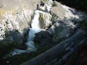 1. Împrejurimi - Cascada Putnei, singura din lume care şi-a schimbat cursul în urma unui cutremur