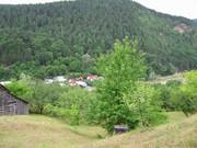 1. Coza, Tulnici, Vrancea - casa noastră undeva în vale :)