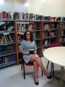 Presentando su libro Mariamor Campos Montalvo