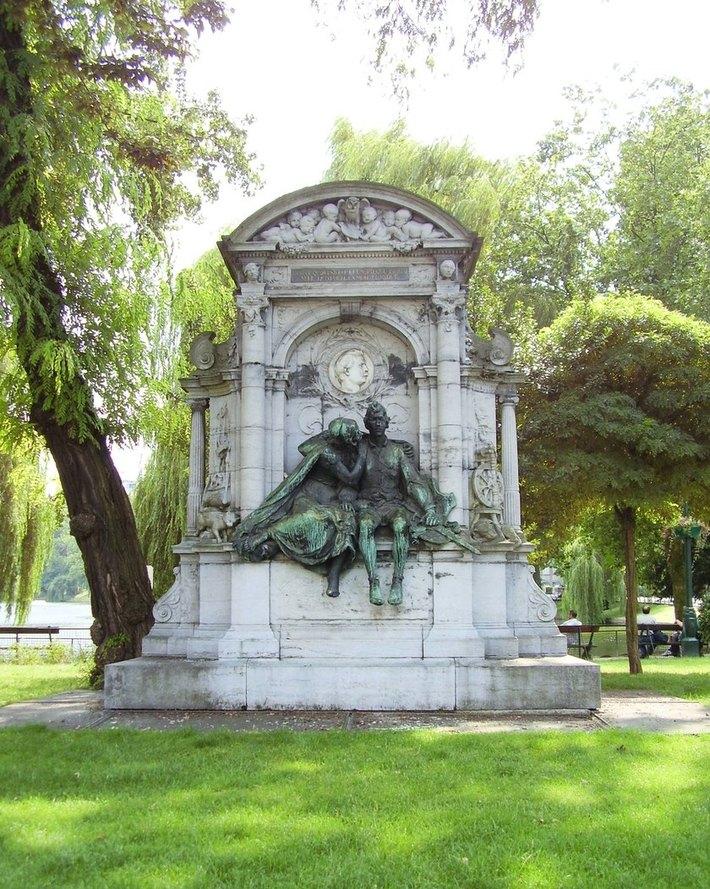 Monument De Charles De Coster