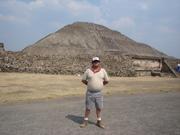 En Teotihuacán hace 100 kilos