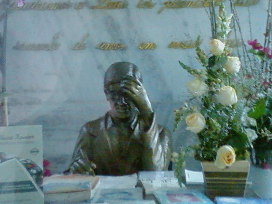 Monumento Chico Xavier