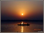 अस्सी घाट का सूर्योदय