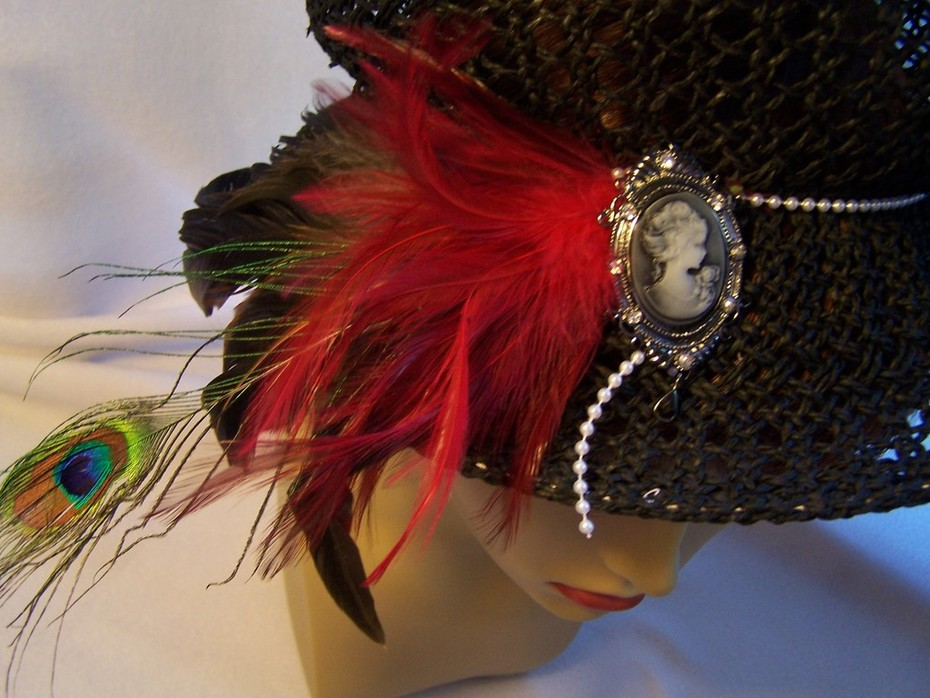 Black Straw Peacock Hat