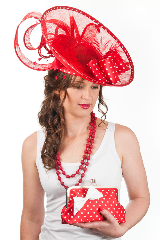 ALICE Sinamay Disc Hat & Clutch