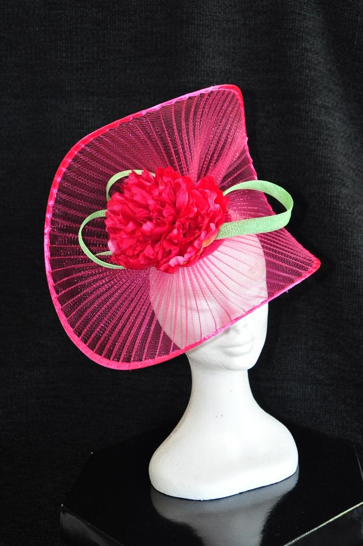 Edged pleated crinoline pink